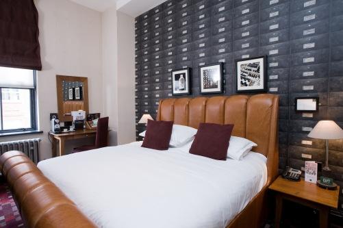 Birmingham hotel room (Hotel du vin)